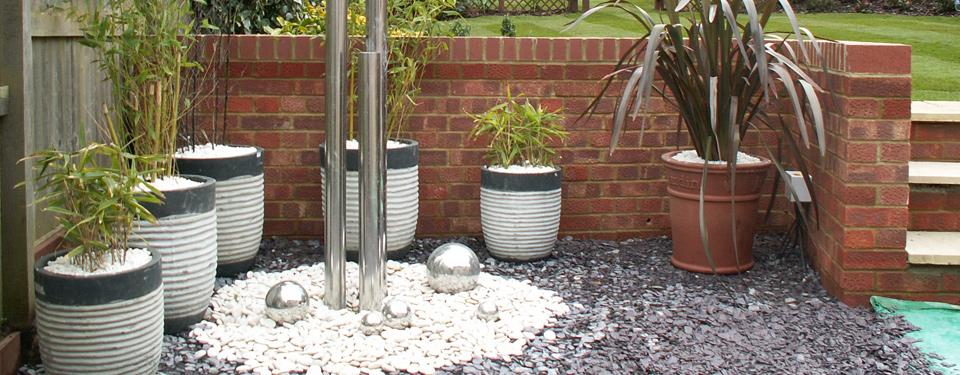 http://lmc-uk.com/wp-content/uploads/2014/07/garden-accessiories.jpg