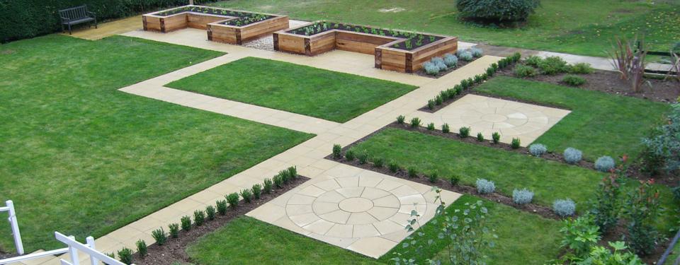 http://lmc-uk.com/wp-content/uploads/2014/07/garden-revamp.jpg